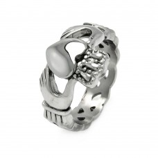 Wholesale Men's Stainless Steel Hands Heart Claddagh Ring - SRN020
